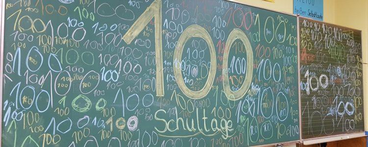 100 Schultage! Klasse 1b und 1c feierten ein 100-Tage-Fest